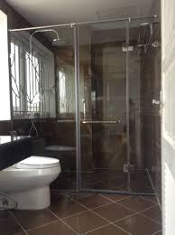 Không gian sang trọng của phòng tắm với vách kính 6