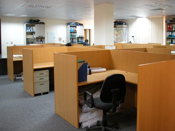 Vách văn phòng bề mặt gỗ Veneer