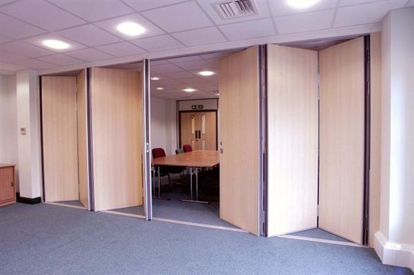 Giới thiệu các mẫu vách ngăn di động phân chia phòng khách, phòng ngủ ấn tượng