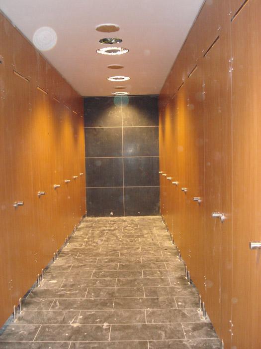 Vách ngăn vệ sinh với ưu điểm gỗ dán Laminate 1