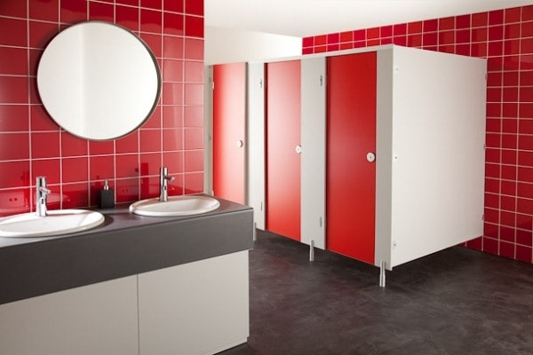 Vì sao tấm compact được dùng làm vách ngăn vệ sinh cao cấp?