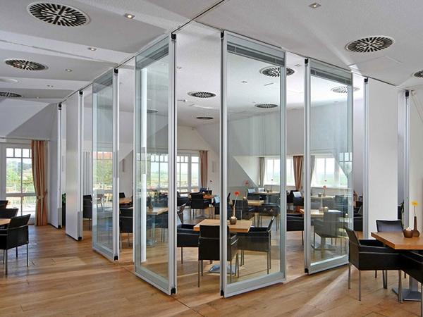 4 lý do nên chọn vách ngăn kính cho không gian văn phòng hiện đại