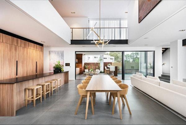 Hãy thiết kế phòng ăn với nhiều cửa sổHãy thiết kế phòng ăn với nhiều cửa sổ