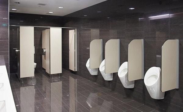 Vách ngăn vệ sinh giúp nhà vệ sinh công cộng bền đẹp hơn