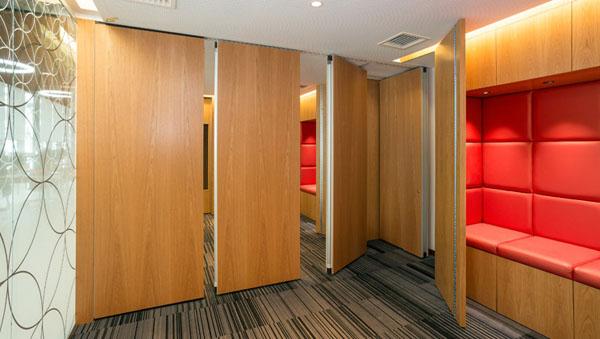 Vách ngăn di động bằng gỗ veneer có độ bền cao