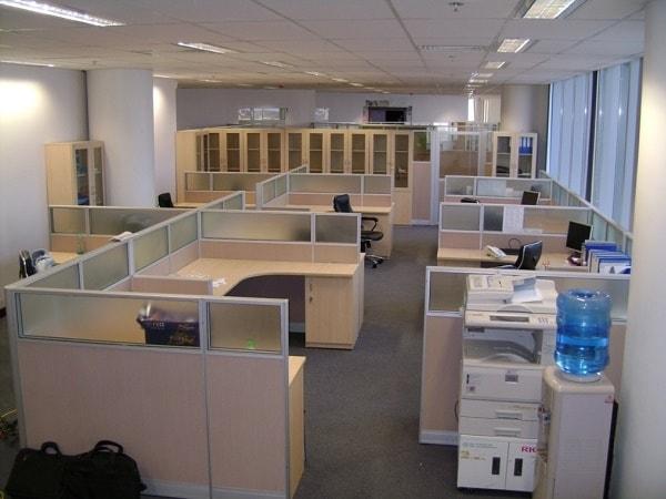Các mẫu vách ngăn văn phòng nổi bật của nội thất Hòa Phát