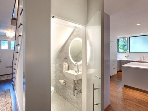Cách bố trí nhà vệ sinh trong nhà ống hợp phong thủy và tiện lợi