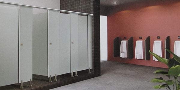 Tấm vách ngăn nhà vệ sinh bằng gỗ MFC