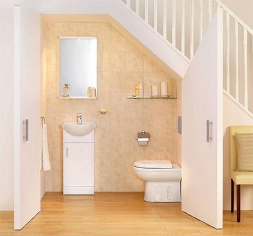Có nên thiết kế nhà vệ sinh dưới gầm cầu thang