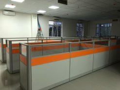 VNG11 - Vách ngăn lửng màu cam và trắng